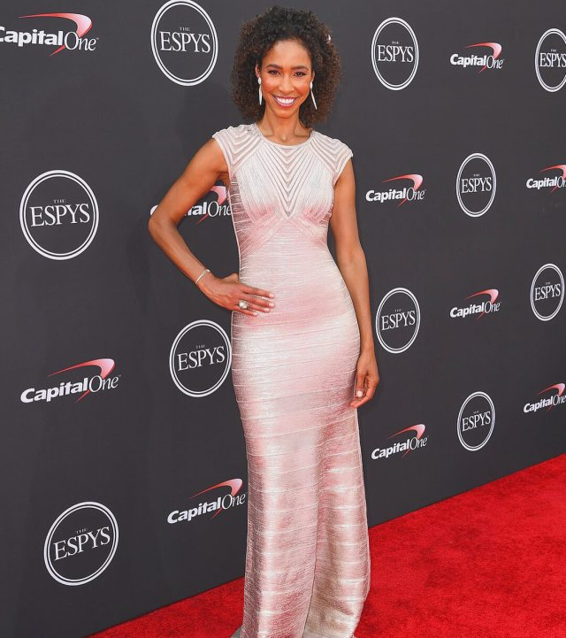 Sage Steele sexy picture (2)