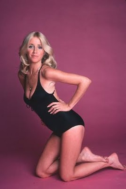 Suzanne Somers booty