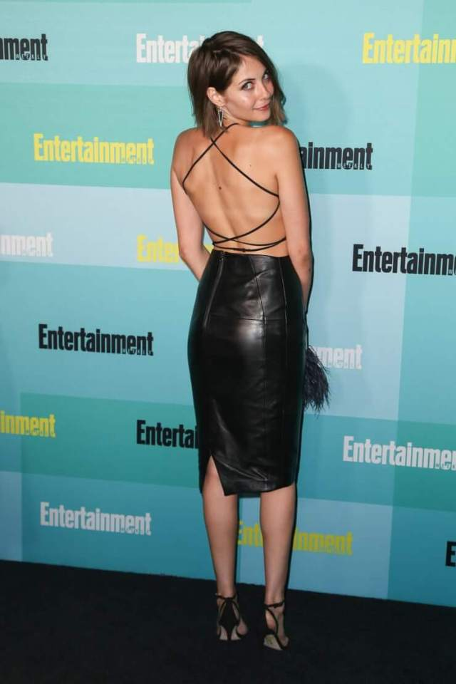 Willa Holland sexy booty pictures