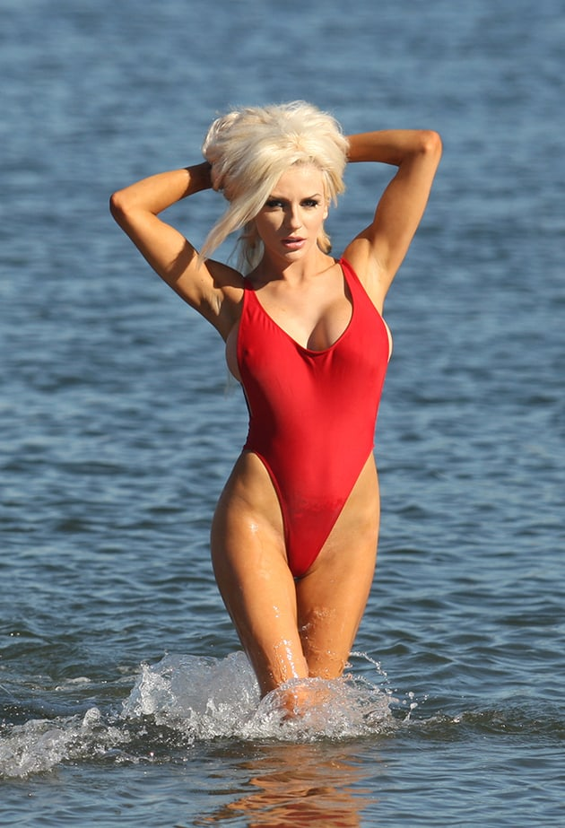 courtney stodden hot cleavage pic