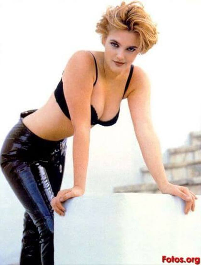drew barrymore cleavage pic