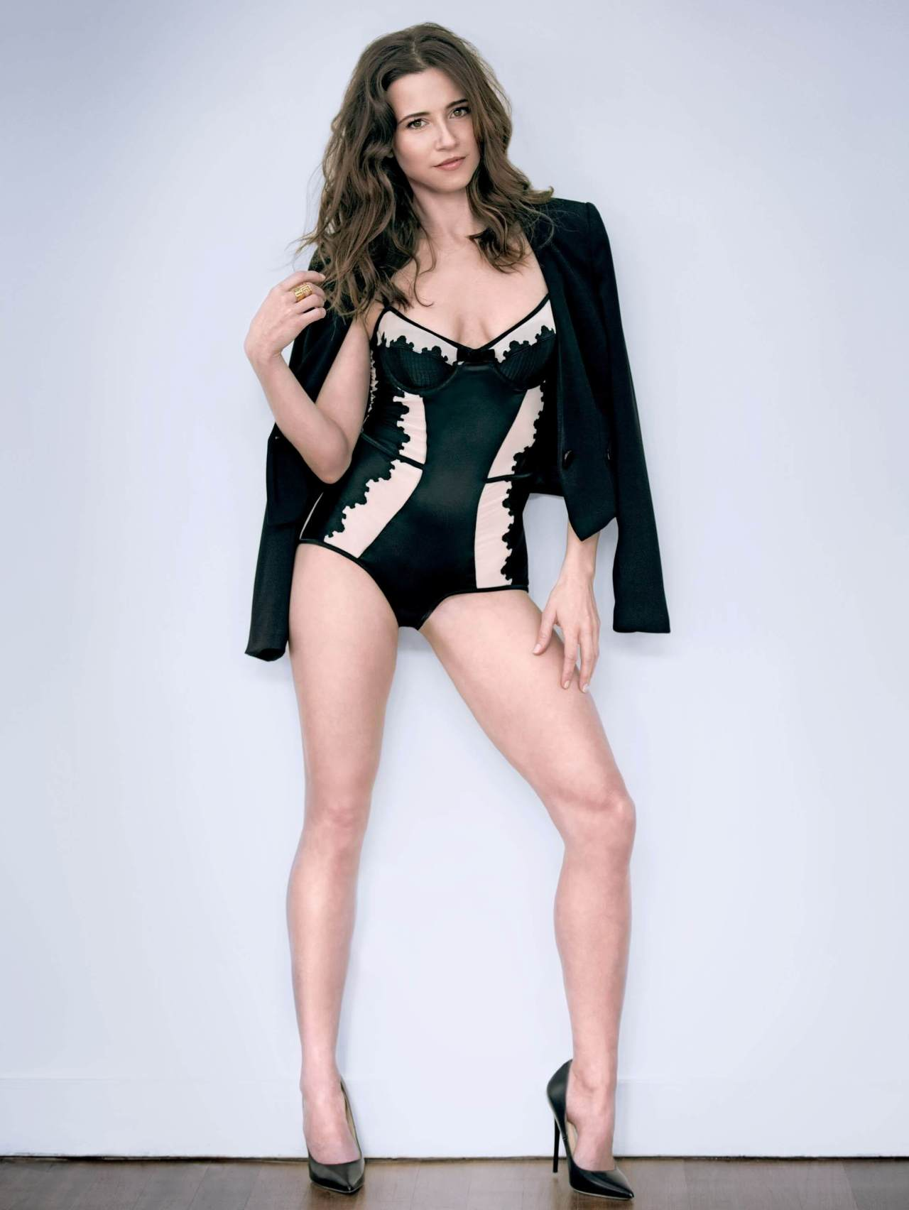 49 Hottest Linda Cardellini Bikini Pictures Will Hypnotise You With Her Exquisite Body | Best Of ...