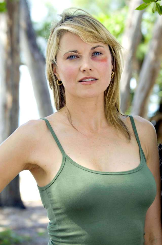 lucy-lawless-hot-eyes