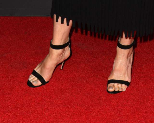 neve campbell sexy feet nails