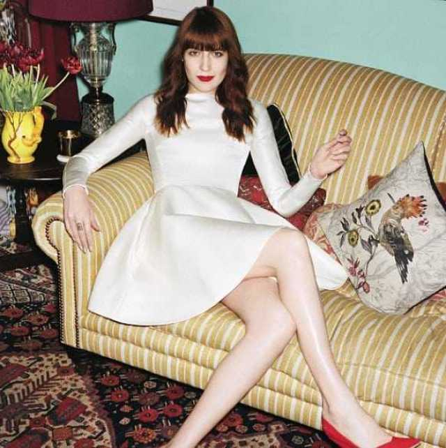 Florence Welch sexy legs (2)