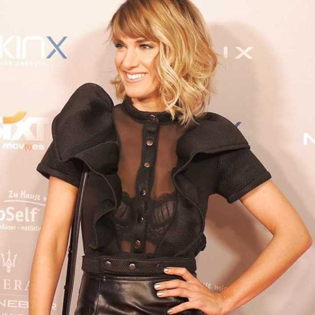 Isabell Horn hot black dress pics