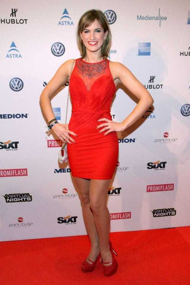 Isabell Horn sexy red dress pics