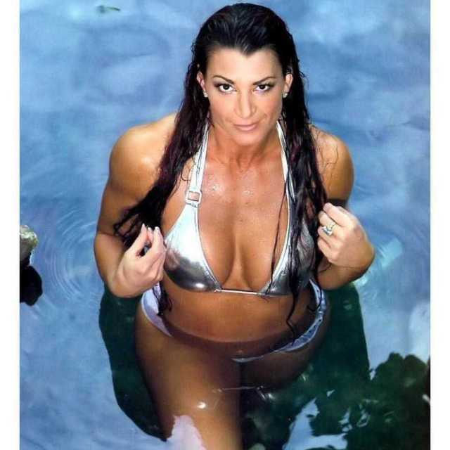 Lisa Marie Varon hot boobs pics