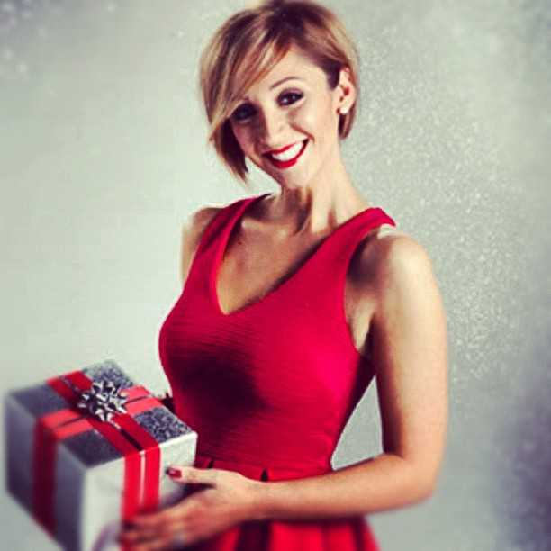 Lucy-Jo Hudson awesome look (1)