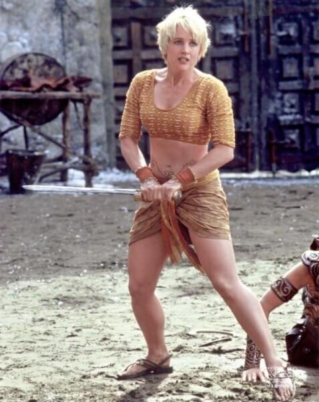 49 Renee OConnor Hot Pictures Will Get You All Sweating