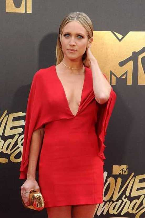 Brittany Snow sexy red dress pics
