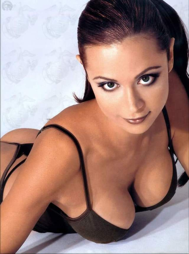Catherine Bell sexy boobs (3)