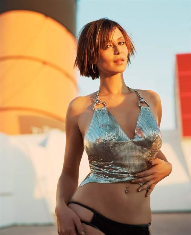 Catherine Bell sexy busty pics