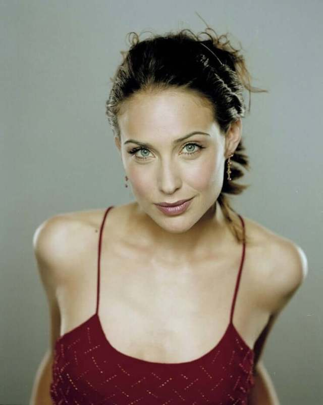 Claire Forlani hot busty