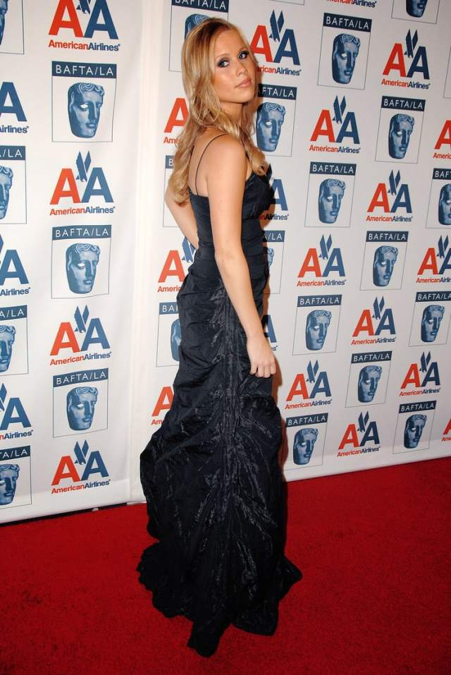 Claire Holt awesome pics (2)