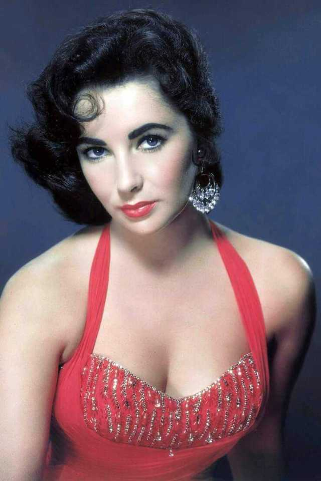 Elizabeth Taylor hot boobs pictures
