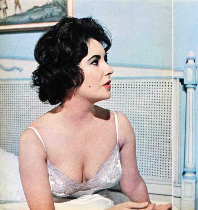 Elizabeth Taylor sexy boobs pictures