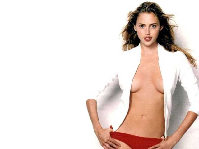 Estella Warren busty pictures