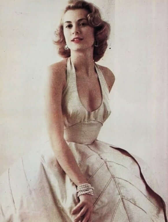Grace Kelly hot cleavage pics