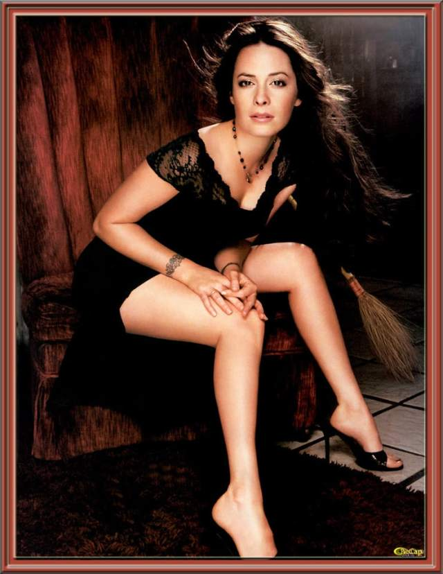 Holly Marie Combs awesome pic