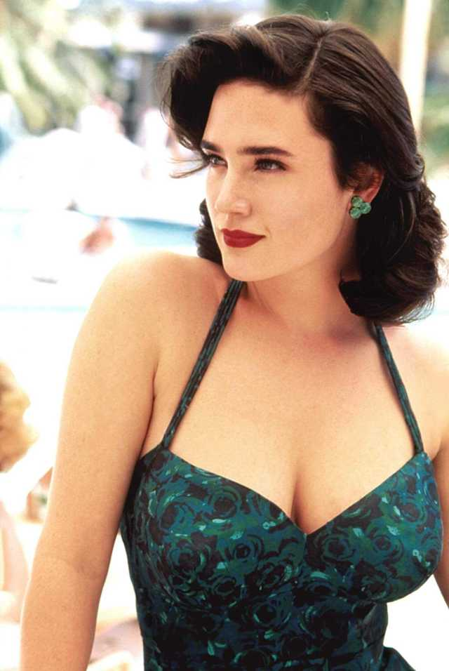 Jennifer Connelly hot cleavage pics