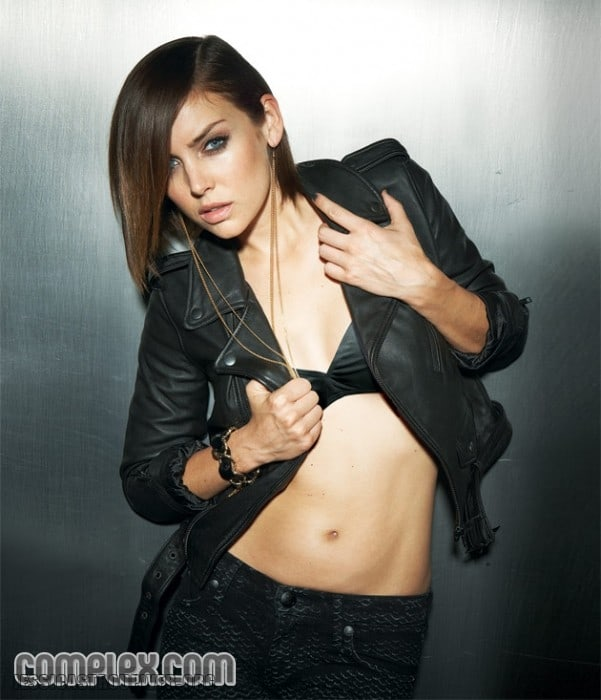 Jessica Stroup hot cleavage pics