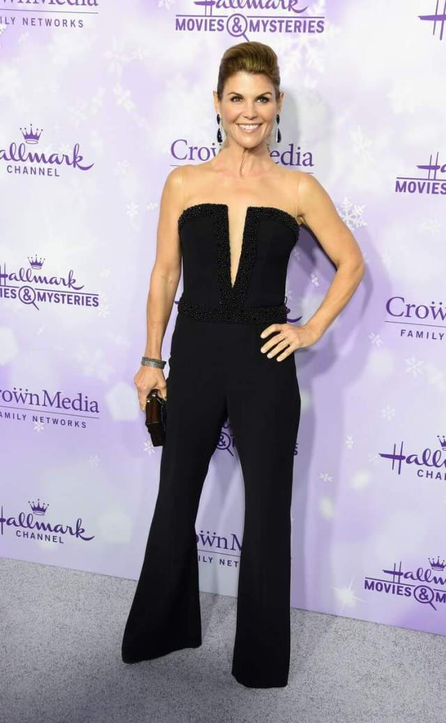 Lori Loughlin awesome pics (2)