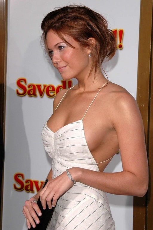 Mandy Moore hot busty pic