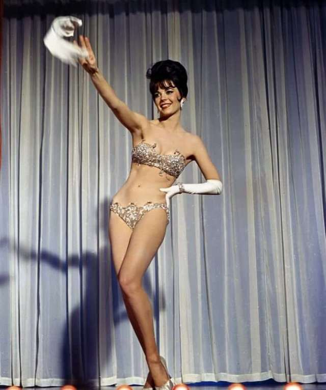 Natalie Wood sexy pictures (2)