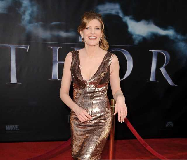 Rene Russo sexy image