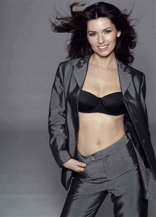 Shania Twain hot look pictures
