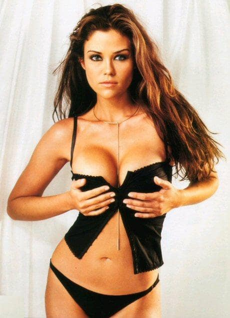 Susan Ward sexy boobs picture