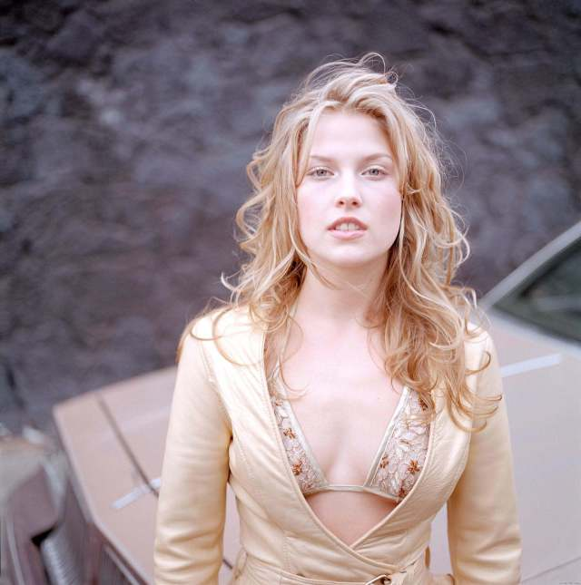 ali-larter-looking-sexy