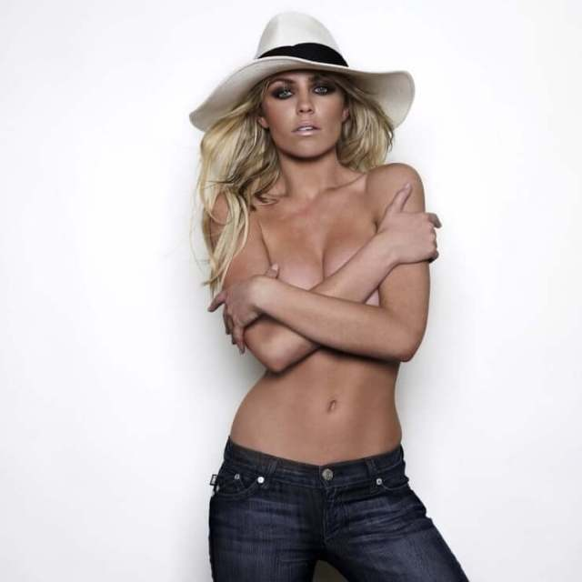 Abbey Clancy nude pic
