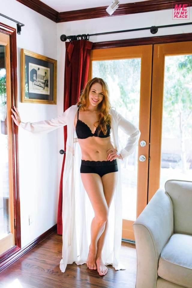Amanda Righetti feet