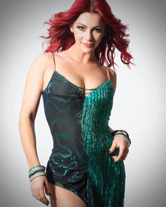 Dianne Buswell sexy boobs picrtture