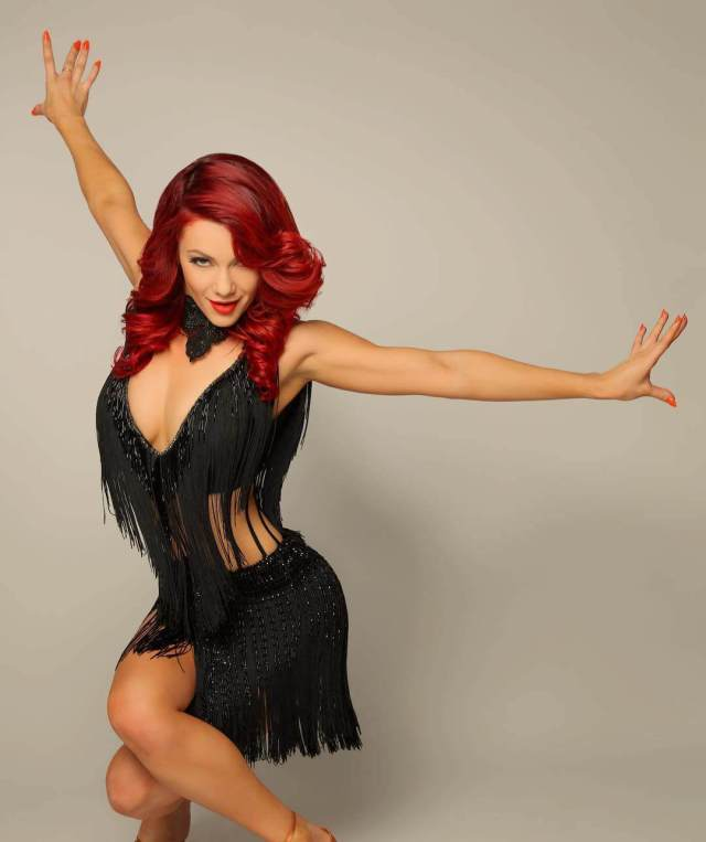 Dianne Buswell sexy photos