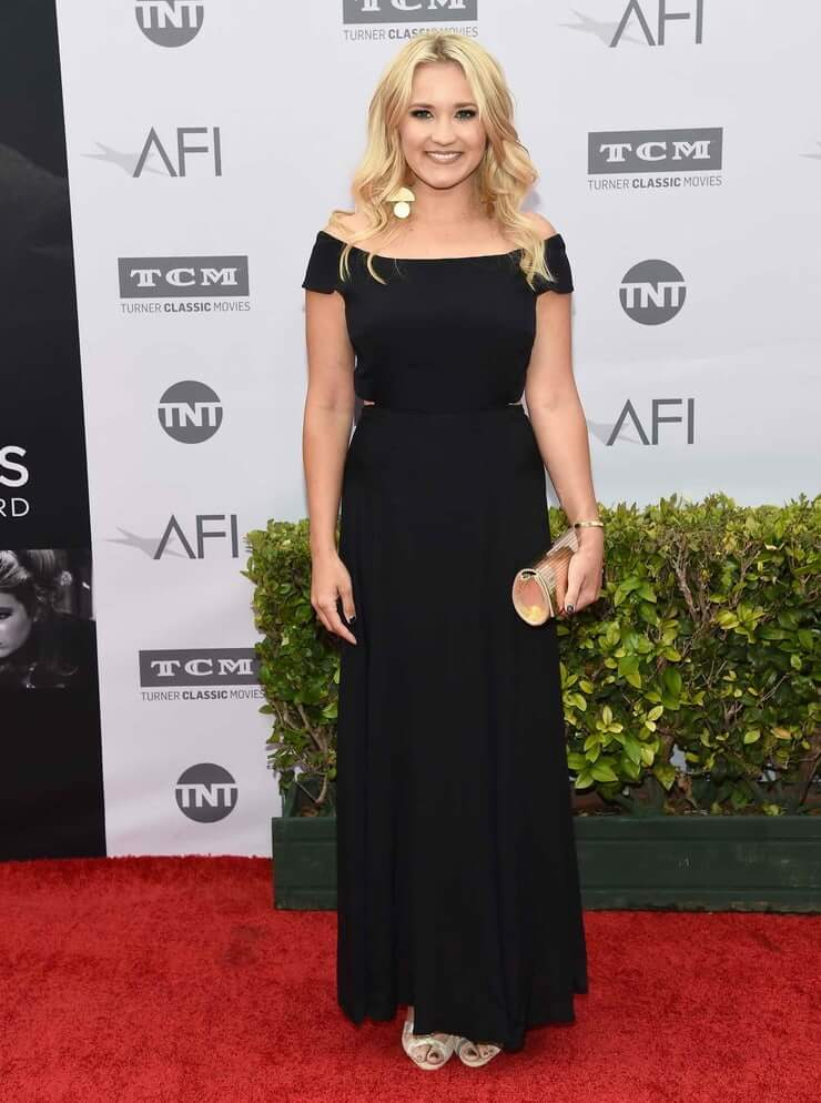 49 Hottest Emily Osment Boobs Pictures Which Will Leave ...