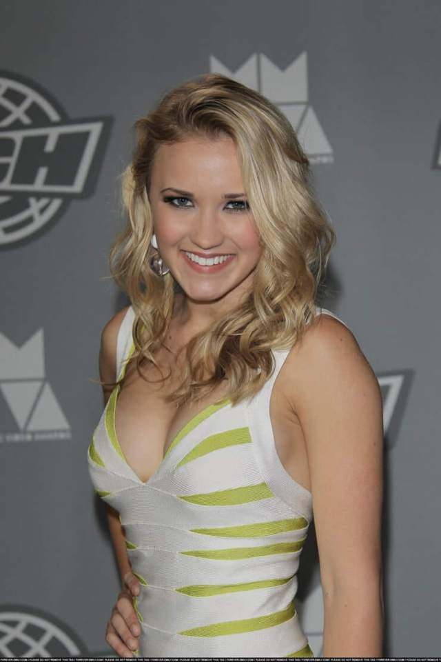 Emily Osment sexy picture (4)