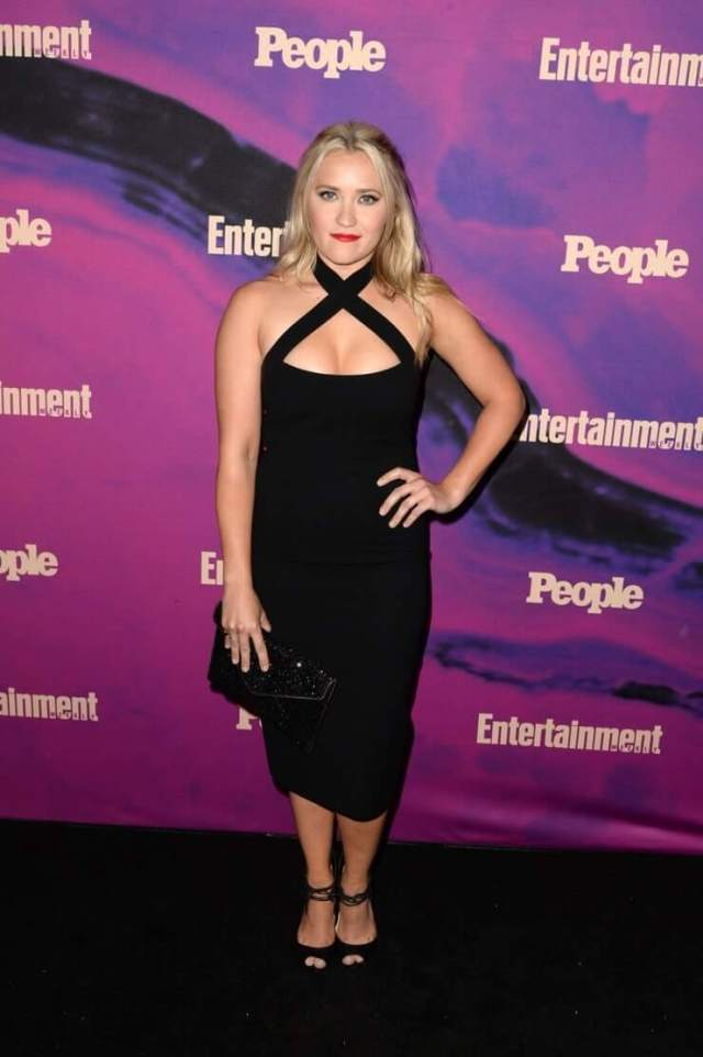 Emily Osment sexy pictures