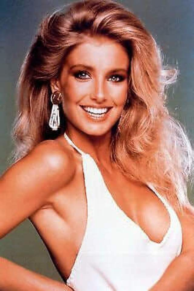 Heather Thomas side boobs