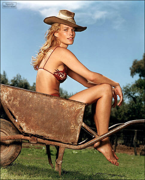 Molly-Sims-sexy-pic