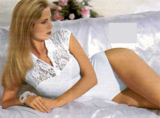 Monica Potter thighs