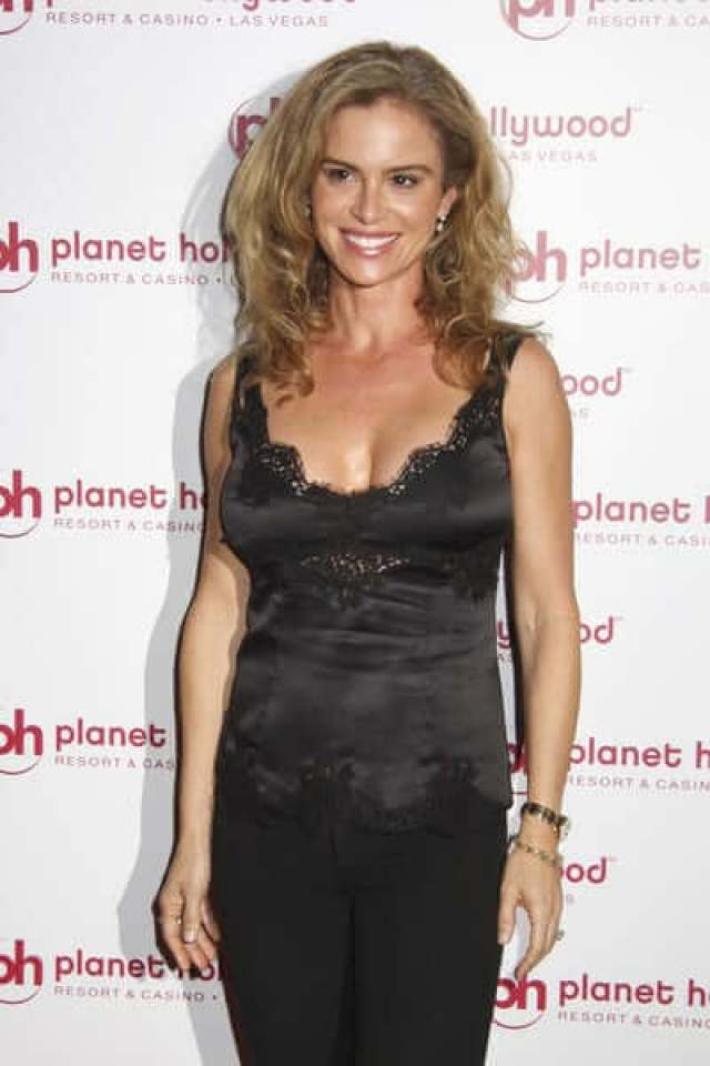 Betsy-Russell-hot