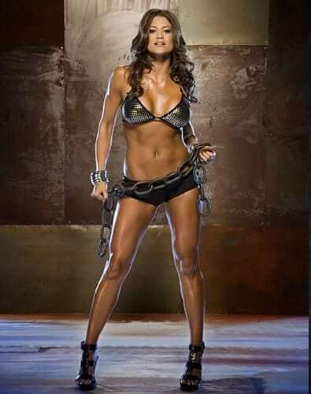 Eve-Torres-Sexy-Boobs-Pictures