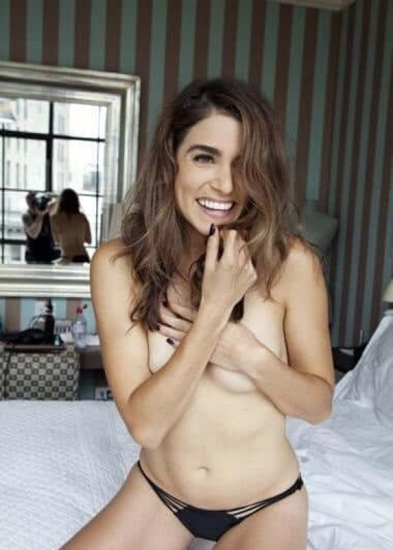 Nikki Reed topless pictures