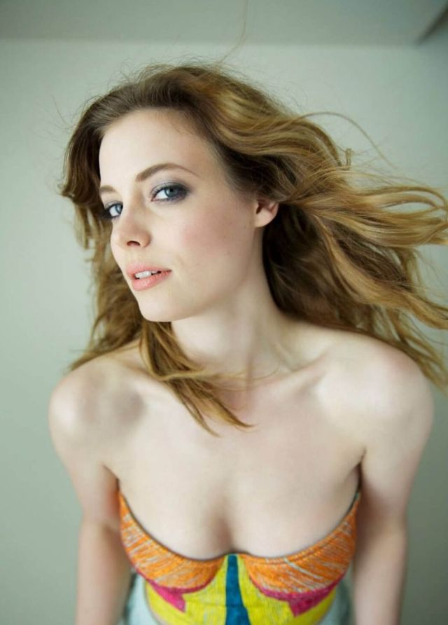 gillian jacobs sexy boobs