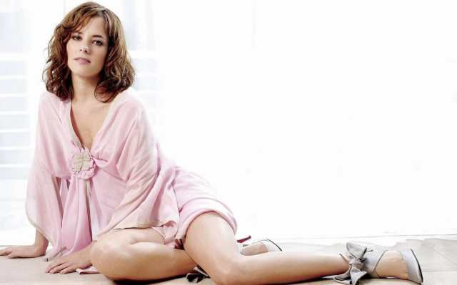 parker posey thighs