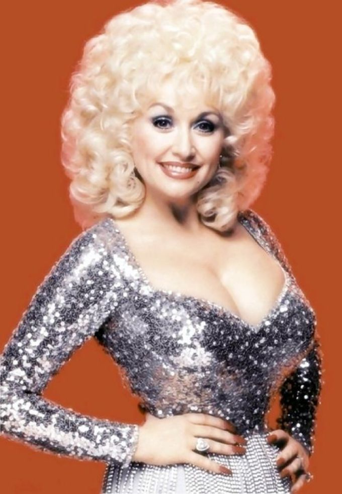 Dolly Parton pledges $1 million to COVID-19 research