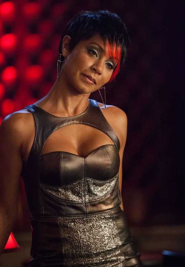 Jada Pinkett Smith cleavage pics